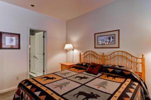 Meadows Condos at EagleRidge by Wyndham Vacation Rentals, Апарт-отели  Стимбот-Спрингс - big - 57