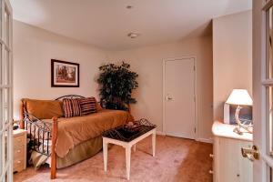 Meadows Condos at EagleRidge by Wyndham Vacation Rentals, Апарт-отели  Стимбот-Спрингс - big - 11
