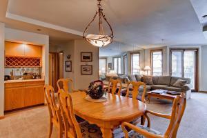 Meadows Condos at EagleRidge by Wyndham Vacation Rentals, Апарт-отели  Стимбот-Спрингс - big - 17