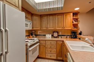 Meadows Condos at EagleRidge by Wyndham Vacation Rentals, Апарт-отели  Стимбот-Спрингс - big - 37