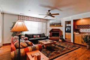 Meadows Condos at EagleRidge by Wyndham Vacation Rentals, Апарт-отели  Стимбот-Спрингс - big - 41