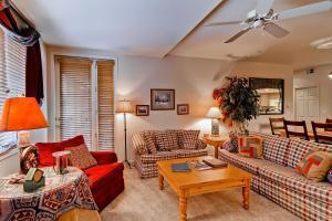 Meadows Condos at EagleRidge by Wyndham Vacation Rentals, Апарт-отели  Стимбот-Спрингс - big - 43