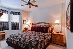 Meadows Condos at EagleRidge by Wyndham Vacation Rentals, Апарт-отели  Стимбот-Спрингс - big - 44