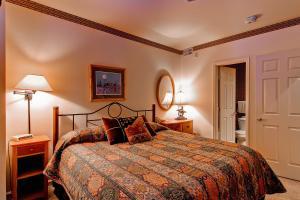 Meadows Condos at EagleRidge by Wyndham Vacation Rentals, Апарт-отели  Стимбот-Спрингс - big - 47