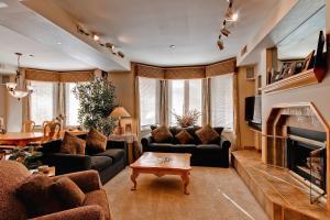 Meadows Condos at EagleRidge by Wyndham Vacation Rentals, Апарт-отели  Стимбот-Спрингс - big - 2