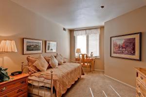 Meadows Condos at EagleRidge by Wyndham Vacation Rentals, Апарт-отели  Стимбот-Спрингс - big - 6