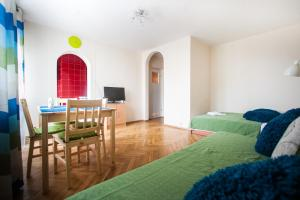 Apartamenty Varsovie Rondo ONZ, Apartmanok  Varsó - big - 1
