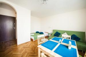 Apartamenty Varsovie Rondo ONZ, Apartmanok  Varsó - big - 12
