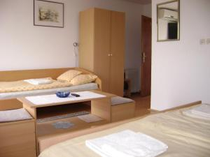 Rooms Family Farm Toma, Guest houses  Bilje - big - 5