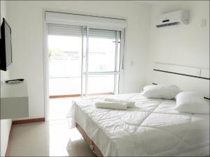 Double Room with Partial River View