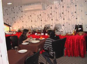 Zaineast Hotel, Hotely  Dubaj - big - 17