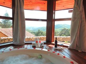 Stars - Master Chalet with Spa Bath with Mountain View (2 Adults)