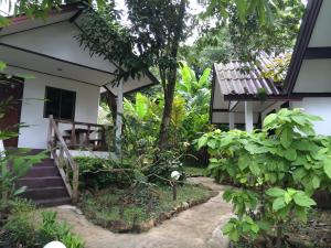 Baansanook Bungalows & Pool, Penziony – hostince  Ko Chang - big - 3
