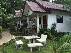 Baansanook Bungalows & Pool, Penziony – hostince  Ko Chang - big - 27