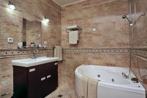 Festa Winter Palace Hotel & SPA, Hotels  Borovets - big - 12