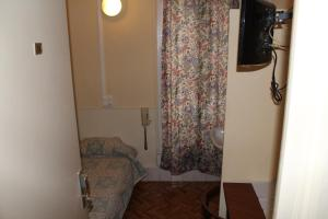シングルルーム 共用シャワー&トイレ