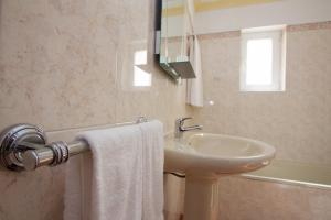 Apartamentos Os Descobrimentos, Dovolenkové parky  Burgau - big - 13