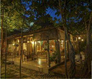 Rumah Batu Villa & Spa, Hotel  Solo - big - 50