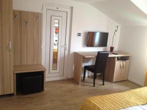 Pensiunea Sergiu & Geanina, Guest houses  Arad - big - 8