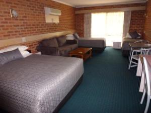 Colonial Motor Inn Bairnsdale, Motels  Bairnsdale - big - 2