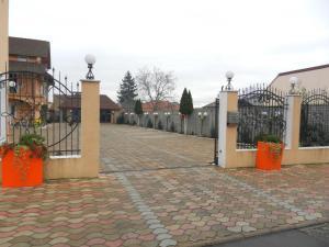 Pensiunea Sergiu & Geanina, Guest houses  Arad - big - 31