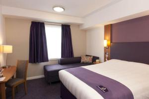 Premier Inn Glasgow Airport, Отели  Пейсли - big - 2