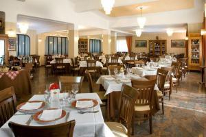 Hotel Ristorante Donato, Hotels  Calvizzano - big - 83