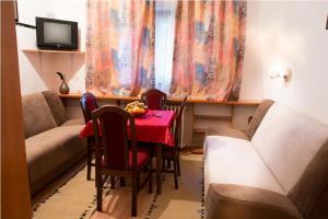 Guest House Suva Ruda, Appartamenti  Kopaonik - big - 3