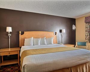 Quality Inn Hall of Fame, Hotels  Canton - big - 16