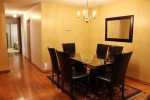 North York Furnished Home, Nyaralók  Toronto - big - 2