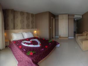 Marin-A Hotel, Отели  Тургутреис - big - 5