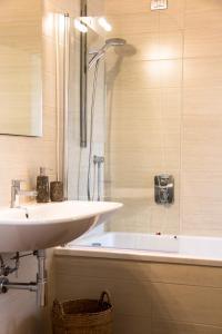 Vip Bergamo Apartments, Residence  Bergamo - big - 23