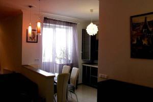 Nadiya Apartments 1, Apartmanok  Szumi - big - 4