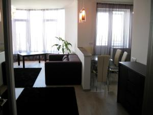 Nadiya Apartments 1, Apartmanok  Szumi - big - 5