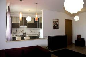 Nadiya Apartments 1, Apartmanok  Szumi - big - 6
