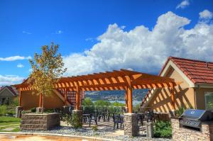 Discovery Bay Resort by kelownacondorentals, Apartments  Kelowna - big - 13