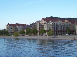 Discovery Bay Resort by kelownacondorentals, Apartments  Kelowna - big - 9