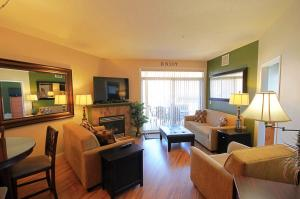 Discovery Bay Resort by kelownacondorentals, Apartments  Kelowna - big - 8