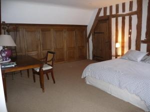 A la Bergerie, Bed and Breakfasts  Honfleur - big - 12