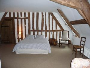 A la Bergerie, Bed and Breakfasts  Honfleur - big - 2