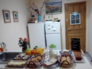 Les Chambres de Jeannette, Bed and Breakfasts  Marseille - big - 61