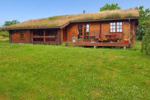 Holiday home Rønde 300 with Sauna and Terrace, Holiday homes  Rønde - big - 1