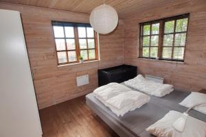 Holiday home Rønde 300 with Sauna and Terrace, Holiday homes  Rønde - big - 16