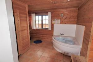 Holiday home Rønde 300 with Sauna and Terrace, Holiday homes  Rønde - big - 4