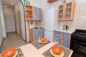 Apartment on Malysheva 1, Apartmány  Yekaterinburg - big - 7