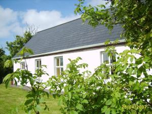 Cottage 101 - Moyard, Holiday homes  Letterfrack - big - 15