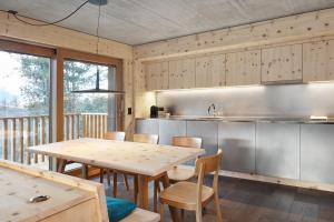 Alpine Lodge Chesa al Parc, Apartmanok  Pontresina - big - 13