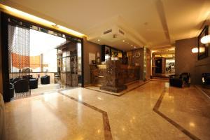 Privilège Hôtel Mermoz, Отели  Тулуза - big - 29