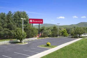 Ramada by Wyndham Asheville Southeast, Hotels  Asheville - big - 16