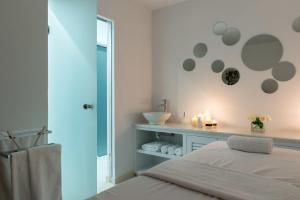 Anamnesis City Spa, Aparthotels  Fira - big - 41